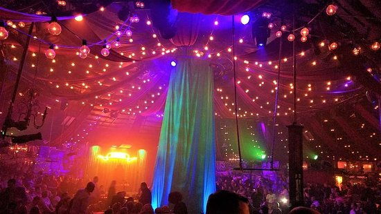 absinthe show las vegas reviews