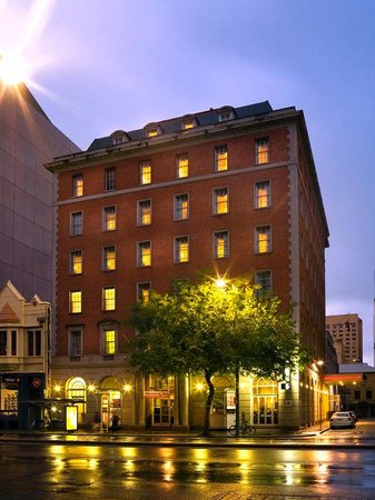 hotel grand chancellor on currie adelaide reviews