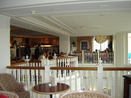 disneyland hotel club level reviews