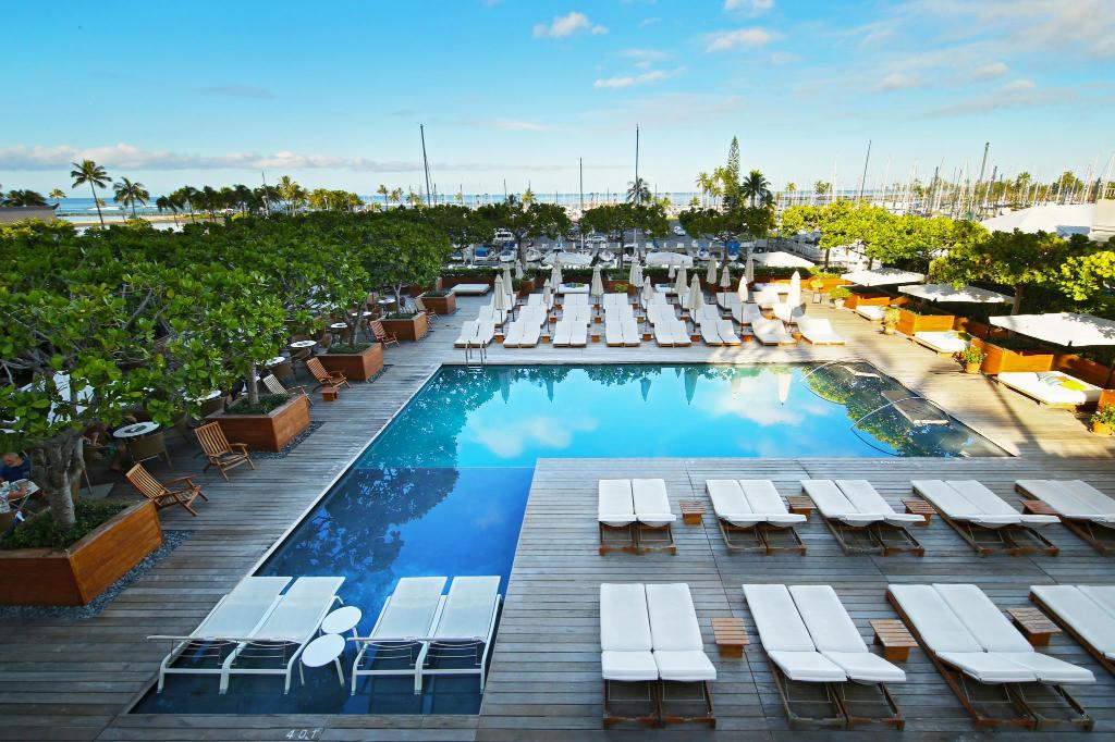 the equus hotel honolulu reviews